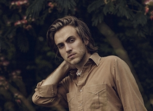 Welcoming Andrew Combs to the Ground Control Touring Roster